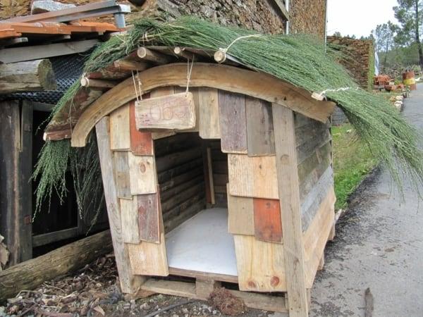 niche pour chien design en bois